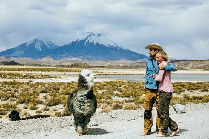 BarfussUmDieWelt-Der-Herzensschritt-Chile-Chungara-Alpaka-Vulkan-barfuß