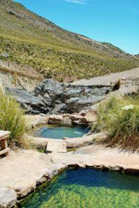 BarfussUmDieWelt-Der-Herzensschritt-Chile-Putre-Thermalquellen-Vulkan-barfuß