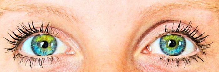 BarfussUmDieWelt-JonathanvonRosenberg-Grundschritt-Augen-funkelnd-sternenklar-Sternenschnuppenaugen-Sternenschnuppe-bunt-barfuß