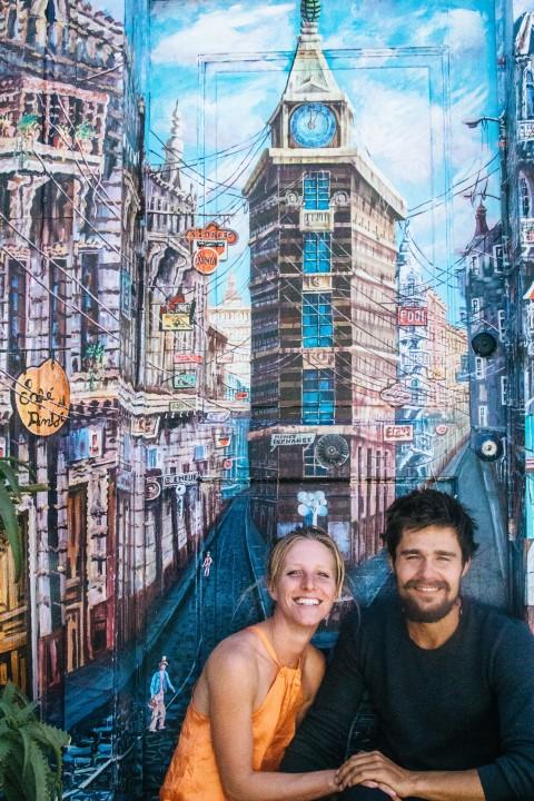 BarfussUmDieWelt-JonathanvonRosenberg-KataleyavonRosenberg-Chile-Valparaiso-Straßenkunst-Kunst-barfuß-12