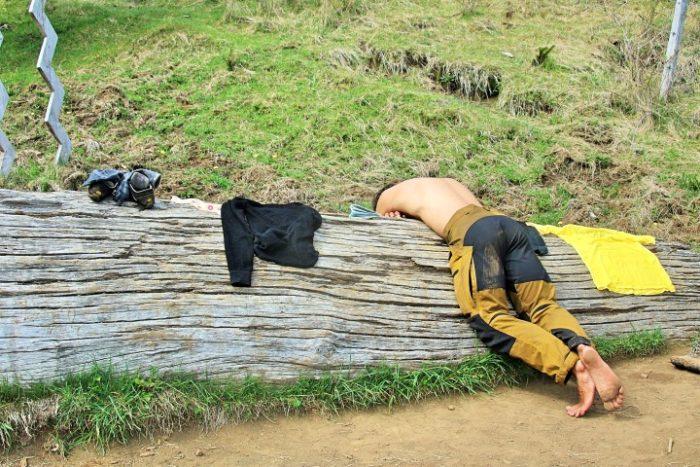 BarfussUmDieWelt-JonathanvonRosenberg-Verantwortliche-Schritt-Chile-Villarrica-Cani-Nationalpark-Refugio-barfuß